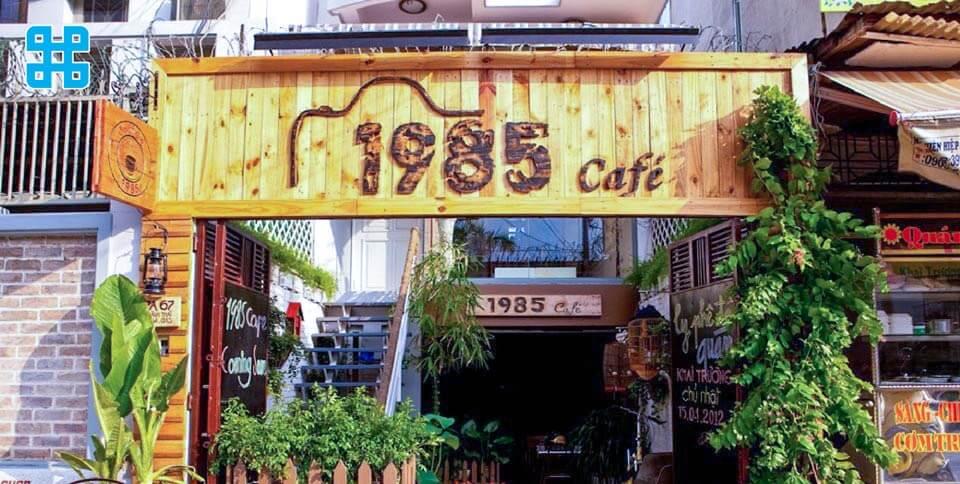 bảng hiệu quán coffee 1985 bẵng gỗ - mẫu 3