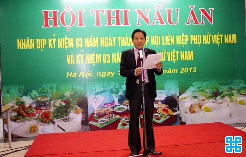 Băng rôn ngày hội món ăn Việt Nam