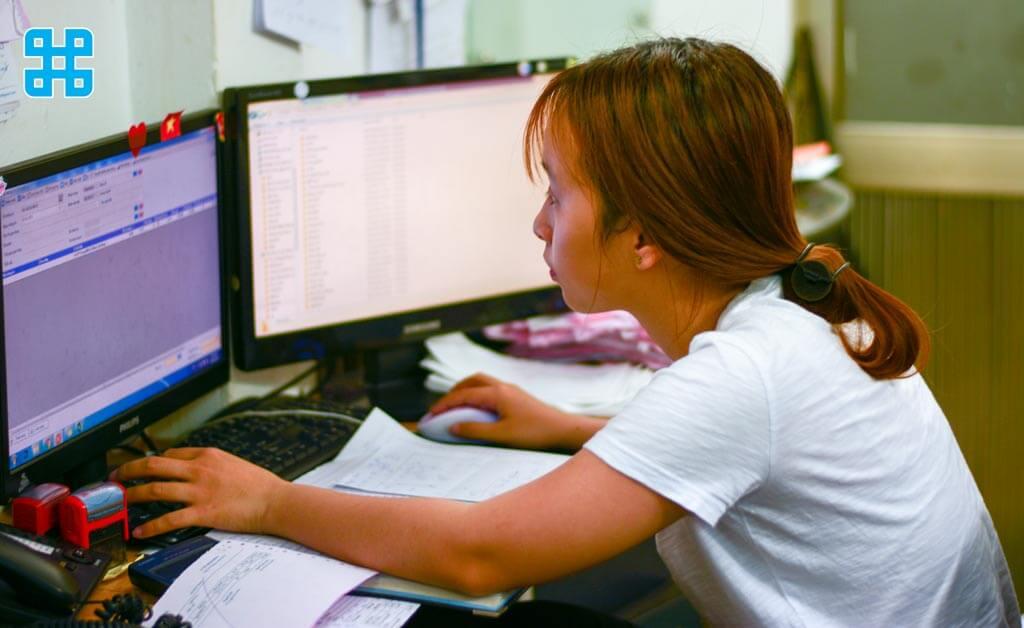 nhân viên luôn hoạt động với cường độ cao nhằm đáp ứng nhu cầu to lớn của khách hàng
