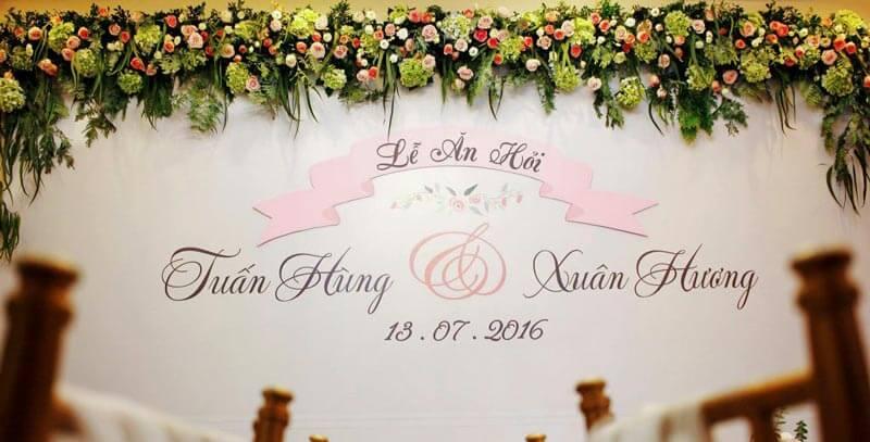 Phông bạt đám cưới vừa có tính chất trang trí vừa có thể chụp hinh