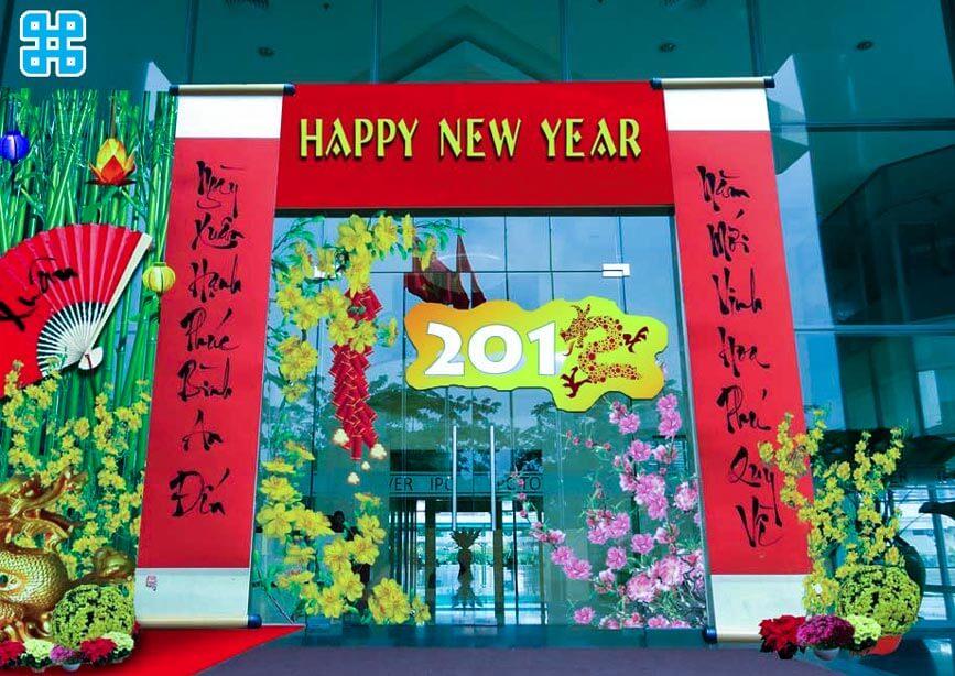 Dán cửa kính trang trí năm mới
