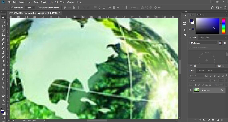 File ảnh Bitmap được phóng to trong Photoshop