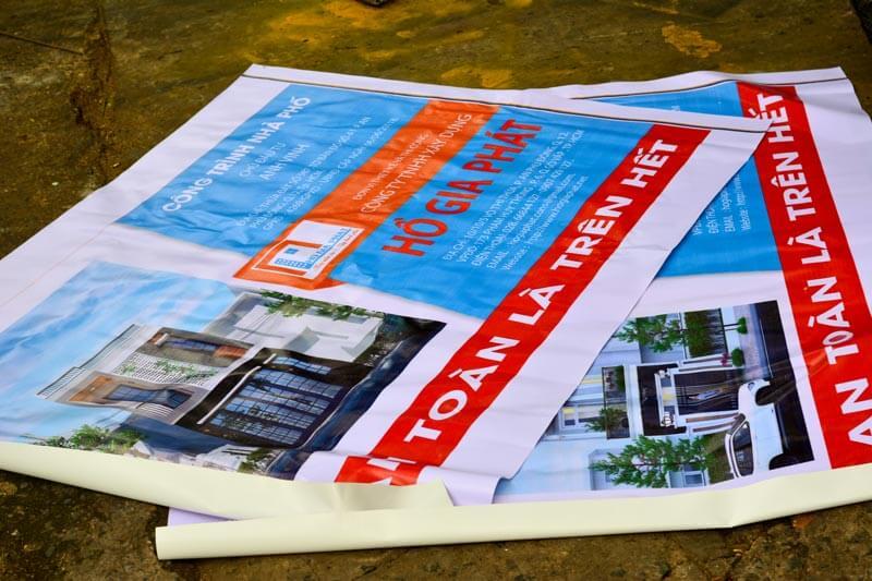 Hiflex vẫn là chất liệu dùng để làm poster giá rẻ nhiều nhất