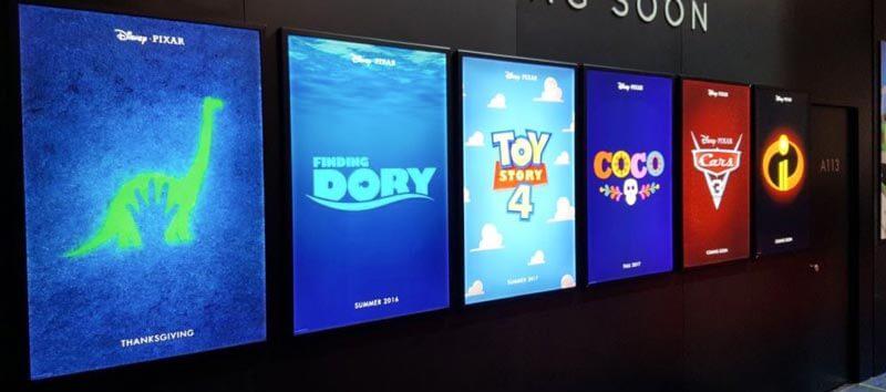 Poster được in bằng chất liệu backlit film ở rạp phim