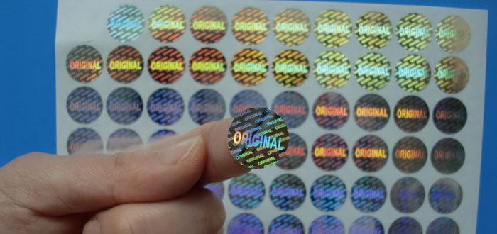 Tem chống hàng giá Hologram thường