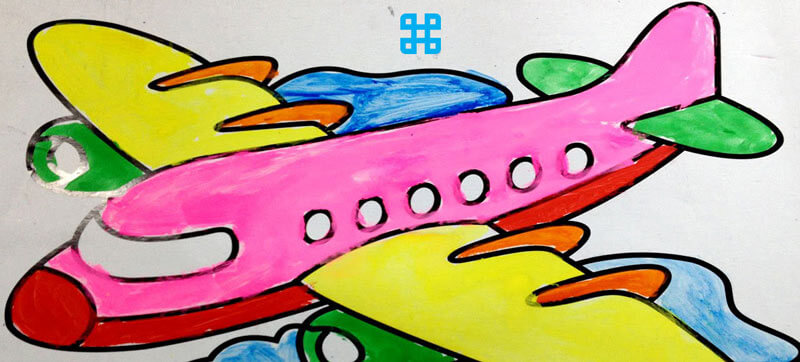 Tranh tô màu bản in máy bay của bé 4 tuổi