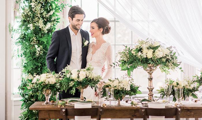 Tự trang trí backdrop đám cưới