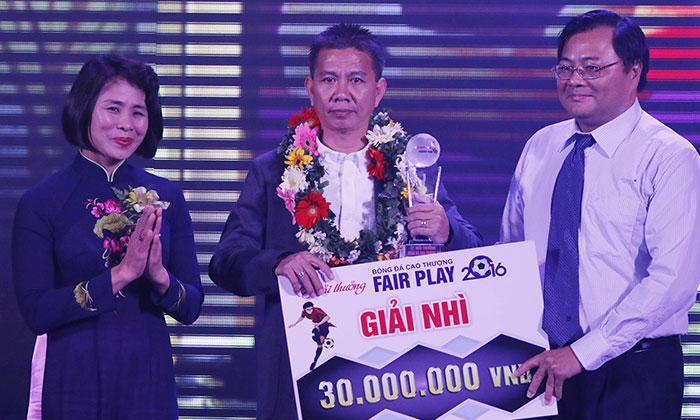 Mẫu bảng trao giải FairPlay trong bóng đá