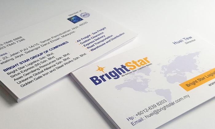 Name card thường chứa thông tin liên lạc đầy đủ của doanh nghiệp