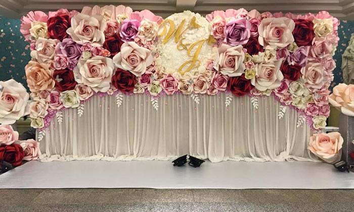 Phông nền vải trắng, hồng thường sử dụng cho đám cưới