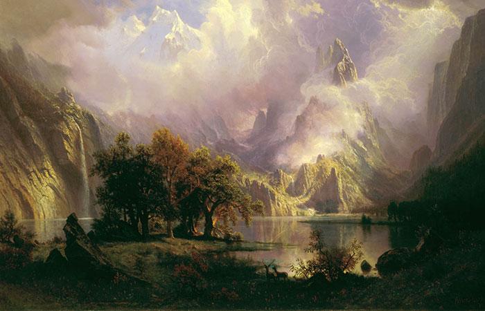 Tranh núi cao thích hợp cho những ai có tương sinh là mệnh Thổ