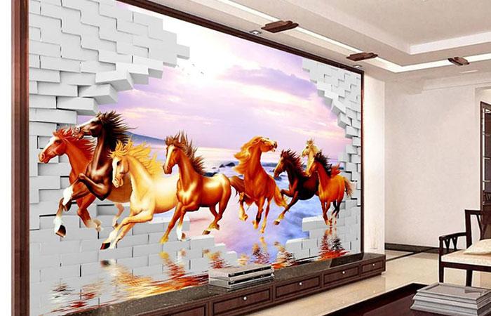 Vì Rồng hợp với ngựa nên những người tuổi Thìn có thể chọn tranh bát mã để trang trí trong nhà