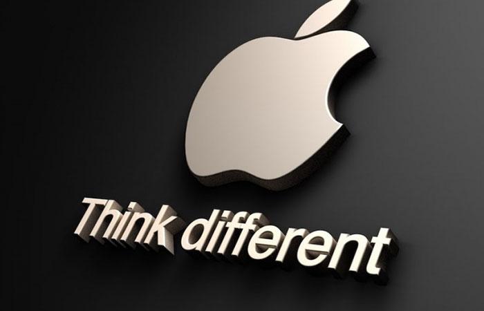 Bảng hiệu cùng slogan của hàng Apple