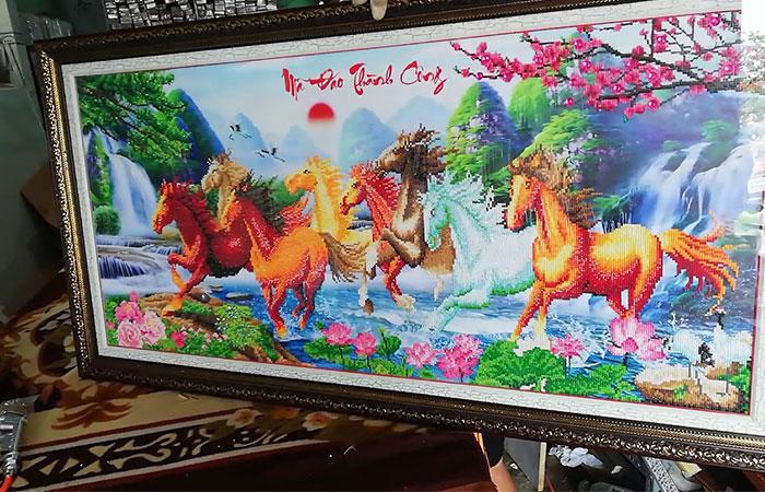 Tranh mã đáo thành công được sử dụng phổ biến nhất có hình 8 chú ngựa