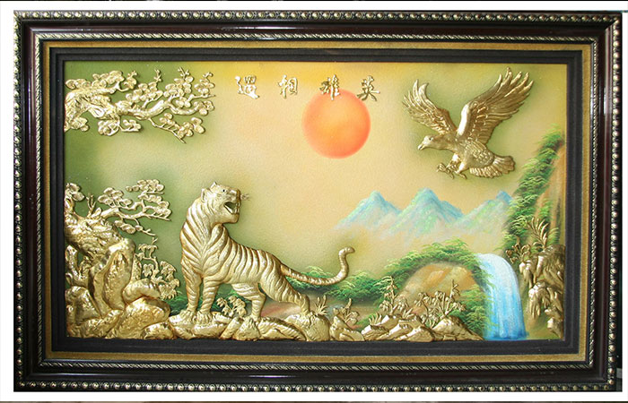 Tranh anh hùng tương ngộ sơn dầu hoặc bằng đều là các loại tranh được người dùng ưa thích