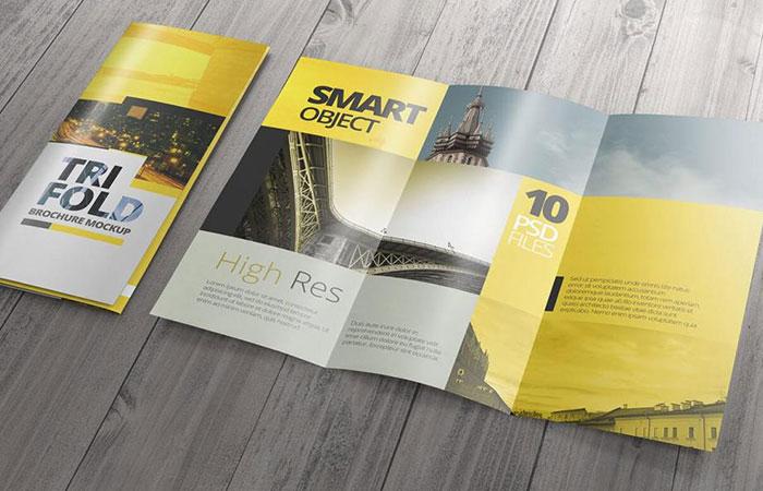 Brochure thường được làm dạng gấp thay vì dạng quyển như catalogue